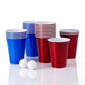 beer pong kopper i rød og blå