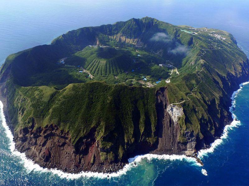 aogashima-vulkanen-japan