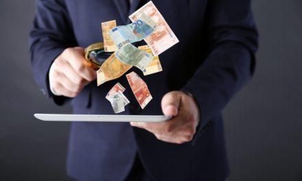 Sådan tjener du hurtigt og lovligt penge på nettet